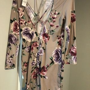 Open back long sleeve floral dress